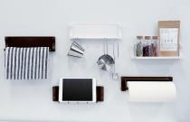 マグネットの磁力で壁面に吸着。D-フィットスチールウォール[キッチン]いつでも手の届く所にキッチンツール キャビネットデコシリーズ